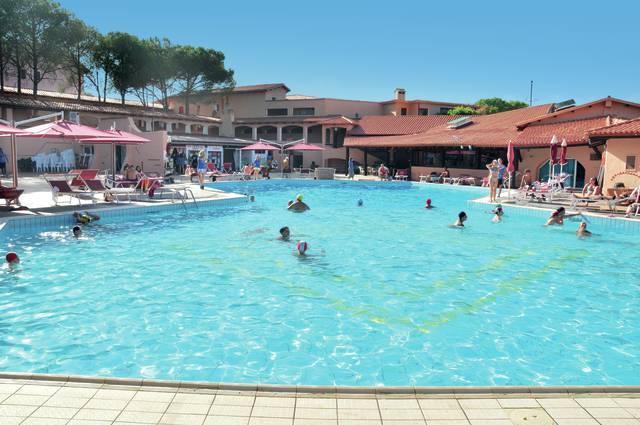 Itálie - Baja Sardinia - Cala Bitta