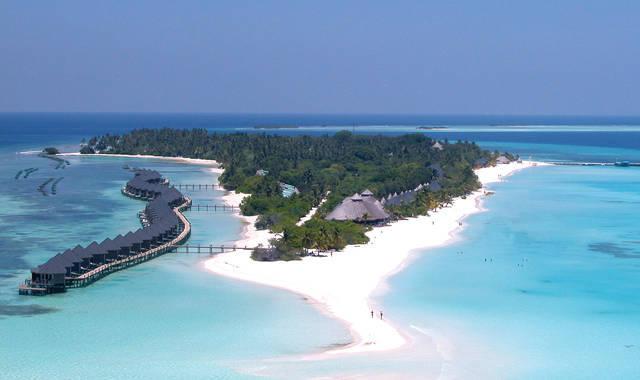 Maledivy - Lhaviyani Atol - Kuredu Island Resort & Spa Maldives