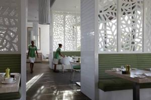 Mauritius - Východní pobřeží - Long Beach Golf & SPA Resort